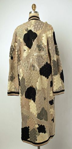Coat - back - 1920's - Wool, silk - Label: Grande Maison de Blanc New York - The Metropolitan Museum of Art - @~ Mlle