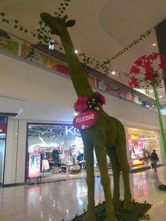 Decoración Navideña del Centro comercial El Edén en Bogotá Shopping Mall, Colombia