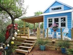 """This tiny beach cottage on Florida's St. George Island is called """"Our Little Secret"""" by its owners."""