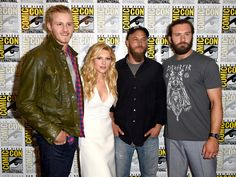 """Clive Standen and Alexander Ludwig Photos - """"Vikings"""" Press Line - Comic-Con International 2014 - Zimbio Vikings Actors, Vikings Tv Series, Vikings Tv Show, Viking Shop, Viking Life, Bracelet Viking, Viking Jewelry, Game Of Thrones, Tv Series 2013"""