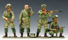 World War II U.S. 101st Airborne DD046 82nd & 101st Linking Up - Made by King and Country Military Miniatures and Models. Factory made, hand assembled, painted and boxed in a padded decorative box. Excellent gift for the enthusiast.