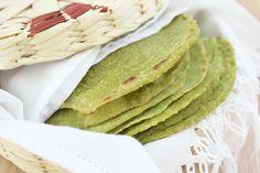 Aprende a preparar unas saludables tortillas de nopal con espinaca y avena, su sabor te fascinará.
