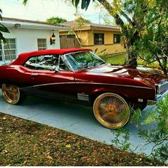 Buick's always shine with any rim or color Custom Muscle Cars, Custom Cars, Donk Cars, 70s Cars, Buick Cars, Top Luxury Cars, Chevy Pickup Trucks, Old School Cars, Fancy Cars