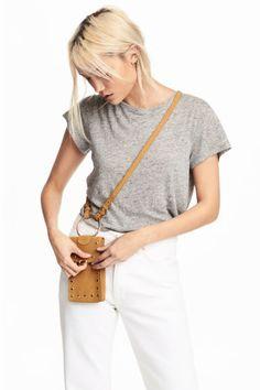 Zamszowa torebka na telefon - Camel - ONA | H&M PL 1