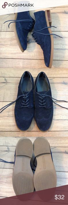 Navy suede Tommy Hilfiger Loafers Gently used navy suede loafers. Size 8M. Tommy Hilfiger Shoes Flats & Loafers