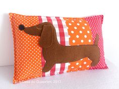 Decorative Pillow  Dachshund van acasadoguaxinim op Etsy, €10.00