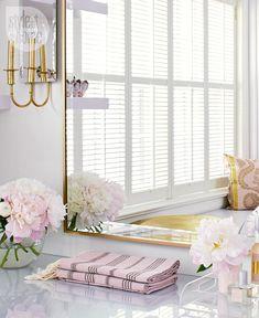 Bedroom decor: Dressing room accessories {PHOTO: Virginia Macdonald}