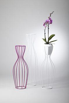METAL PLANT POT AMPHORA BY BOA DESIGN | DESIGN PETR MIKOSEK