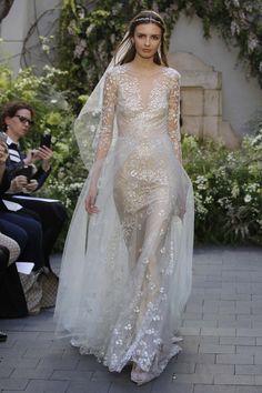 Fashion Friday: Monique Lhuillier Bridal S/S 2017 | Floral | Feminine | V-neck | Mermaid | Sheath | Sensual | High-low | http://brideandbreakfast.hk/2016/05/20/monique-lhuillier-bridal-ss-2017/