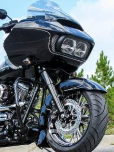 Project Hammerhead By Klock Werks- this full custom bagger is for sale - is it your lucky day? See more....http://www.bikernet.com/pages/Project_Hammerhead_By_Klock_Werks.aspx