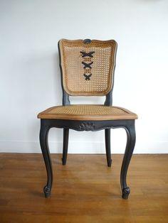 Belle chaise louis XV relookée : Meubles et rangements par dcosmose