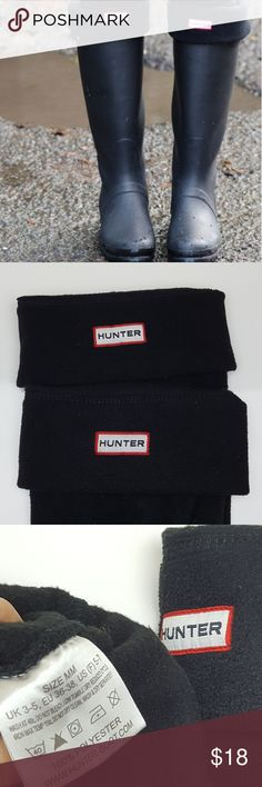 Hunter Fleece Welly Socks Black Hunter Fleece Welly Socks for TALL Hunter Boots  New without tags - Hunter logo has pinkish stain Sizes: MM US F (5-7) ML US F(8-10)  Please choose correct size when buying/offering. Hunter Other