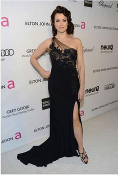 ABC's Scandal, Bellamy Young on the Oscars red carpet!