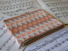 BEAUTY! Tapestry Crochet Patterned Zippered Pouch - Neutral