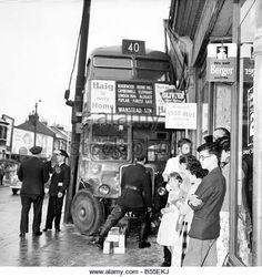 London Bus, Old London, West London, Transport Pictures, Routemaster, Cloud Wallpaper, London History, Bus Coach, London Transport