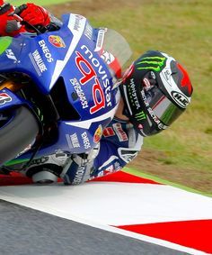 All kinds of stuff Valentino Rossi, Grand Prix, Biker Photography, Yamaha Motorcycles, Motosport, Motorcycle Outfit, Super Bikes, Road Racing, Cycling Outfit