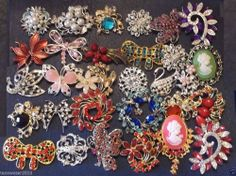BROOCHES LOT 30 PIECES CRYSTAL BRIDAL BOUQUET ASSORTED COLORS  MAY 029