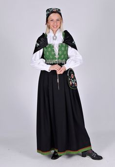 Folk Costume, Costumes, Norwegian Clothing, Folk Clothing, Ethnic Dress, Bridal Crown, Traditional Outfits, Norway, All Things