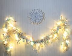 a shabby chic garland!!! ohhhhh so many ideas for my bed room!!!