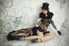 costume designer léa girod-piskiewicz aka Lady Decadence Couture fetish steampunk