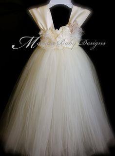 Vestido Vintage de marfil vestido de Tutu por ManaiaBabyDesigns