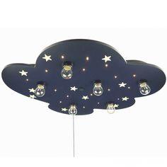 Voicile plafonnier XXL Nuage avec étoiles phosphorescentes de la marque Niermann Stand By.  Pour une ambiance colorée et lumineuse !  Ce plafonniera deux utilités : quand vous l'allumez, ce sont les ampoules qui éclairent la pièce. Mais quand vous l'éteignez, une douce lueur persiste grâce aux étoiles phosphorescentes (quise rechargent à la lumière) et qui brilleront dans le noir pour rassurer bébé.  Lesplafonniersde Niermann Stand By seront parfaits pour une chambre d'enfant.
