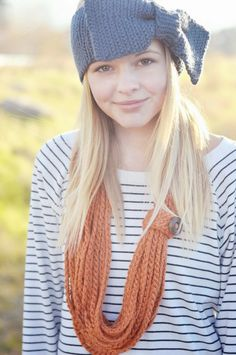 hairbow crochet headband and crochet chain necklace {free pattern} | Little Birdie Secrets