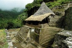 Aztec Temple at Malinalco Santa Cecilia, Ancient Aztecs, Ancient Ruins, Wonderful Places, Beautiful Places, The Places Youll Go, Places To Visit, Aztec Temple, Maya Architecture