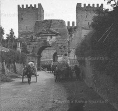 Porta San Sebastiano e il cosiddetto Arco di Druso Anno: inizi '900