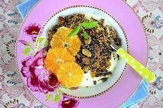 Gluteeniton granola - paahdettu mysli Healthy Breakfast Recipes, Healthy Recipes, Healthy Food, Protein Snacks, Granola, Acai Bowl, Menu, Healthy Foods, Acai Berry Bowl