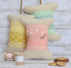 tutorial for so sweet spool pincushions, also pattern for pillow...cute!
