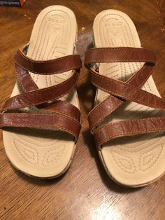 4bd030d97d1 Women s Crocs Sandals Brown Slide Size 10 W Leather Heels