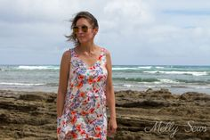 Casual dress with pockets - Sew a dropped waist floral sundress with big pockets - tutorial and free pattern by Melly Sews