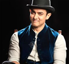 http://www.galaxypicture.com/2016/11/aamir-khan-bollywood-actor.html