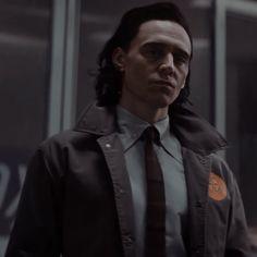 Loki Avengers, Thor, Marvel Images, Man Thing Marvel, Marvel 3, Tom Hiddleston Loki, Loki Laufeyson, Marvel Characters, Geeks