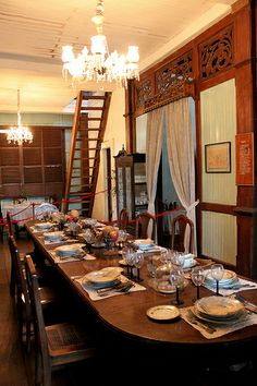 Balay Negrense (Victor Fernandez Gaston Ancestral House) Negos Occidental, Philippines Filipino House, Filipino Art, Filipino Culture, Filipino Interior Design, Filipino Architecture, Colonial Home Decor, Philippine Houses, Thai House, Bamboo House
