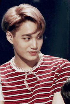EXO Kai's Subtle Expressions and Movements are Making Fans Weak at the Knees - article (gif)