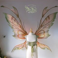 Extra Giant Kira Copper Iridescent Fairy Wings by FaeryAzarelle on DeviantArt Fairy Cosplay, Cosplay Wings, Cosplay Diy, Mode Kpop, Fairies Photos, Fantasias Halloween, Fairy Clothes, Fairy Dress, Fairy Princesses