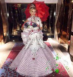 Una Fantasia  que Recrea a una  Dama Antañona, Creada por Nidal Nouaihed   para Anyela Galante, para el Miss World 2015..