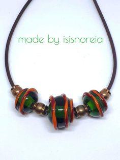 handgedrehte Glasperlen im Mittelalter-Stil mit Messingzwischenteilen auf Lederband gefädelt Messing, Bracelets, Jewelry, Fashion, Celtic, Leather Cord, Role Models, Glass Beads, Middle Ages