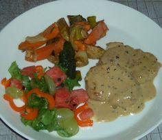 Mustapekka possua ja uunikasviksia - Mimmin keittiö - Vuodatus.net - Food And Drink, Meat, Chicken, Cubs