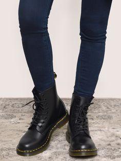 1460 Boot - Black - Gypsy Warrior