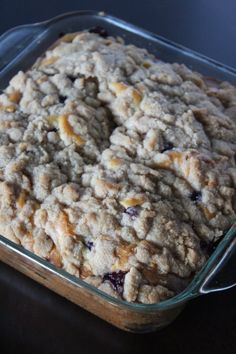 Blueberry Buckle Coffee Cake - The Iron Skillet Diaries Blueberry Apple Recipes, Blueberry Desserts, Blueberry Cake, Easy Cake Recipes, Dessert Recipes, Dessert Ideas, Blueberry Buckle Recipe, Sweet Pastries, Delicious Desserts