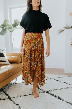 Clad and cloth flower fest skirt Modest Dresses, Modest Outfits, Boho Outfits, Skirt Outfits, Modest Fashion, Pretty Outfits, Lace Homecoming Dresses, Summer Outfits, Cute Outfits
