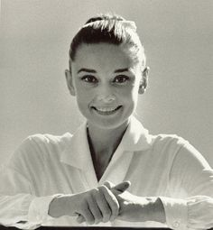 """MEXICO. Durango. 1959. Audrey HEPBURN during the production of the film"""" The unforgiven."""""""