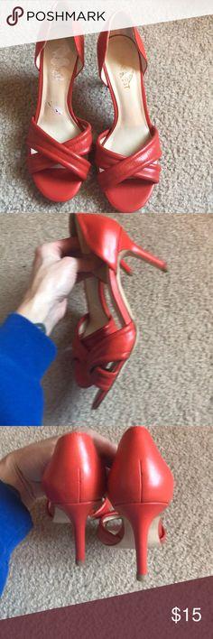Vintage style orange Nine West heels Vintage style orange Nine West heels, orange , great cond, cute weather jeans!! Size 5.5 Nine West Shoes