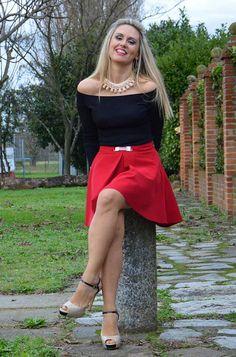 fashionmyloveitaly.com Areta  how to wear a red flared mini skirt #kissmylook