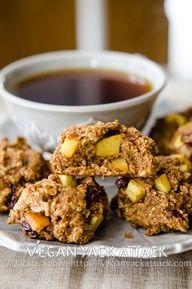 Cran Apple Oatmeal Cookies // veganyackattack.com #vegan #cookies #Christmas