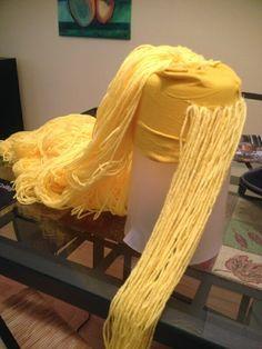 Halloween Costumes To Make, Halloween Wigs, Diy Costumes, Halloween 2014, Rapunzel Wig, Rapunzel Costume, Princess Rapunzel, Disney Princess, Yarn Wig