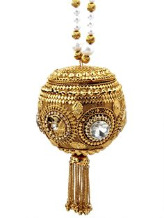 Every bride would want to carry this #Potli to get more beautiful looks.  Item code ; SJBP2015 http://www.bharatplaza.com/new-arrivals/accessories.html